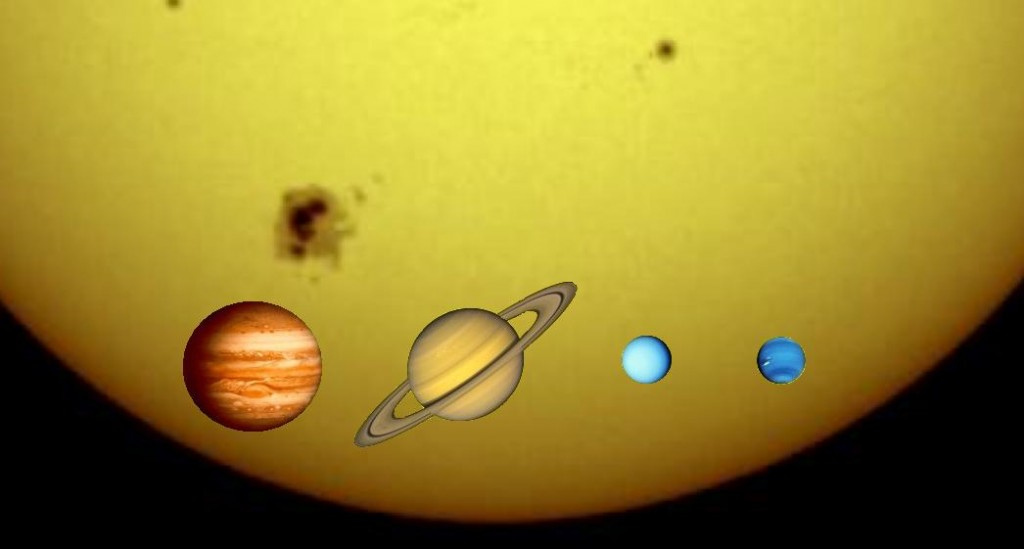 Gas_giants_and_the_Sun_(1_px_=_1000_km)
